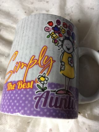 Simply the best auntie mug