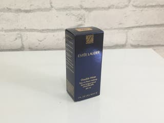 Estée Lauder double Wear larga duración.