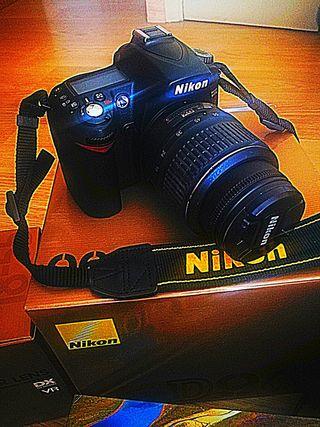 Nikon D90 + objetivo Nikon AF-S DX Nikkor 18-55mm