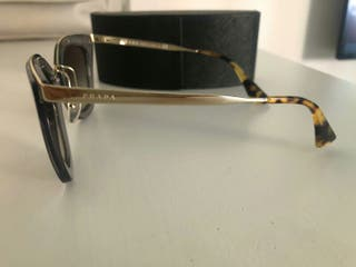 gafas de sol Prada original en perfecto estado