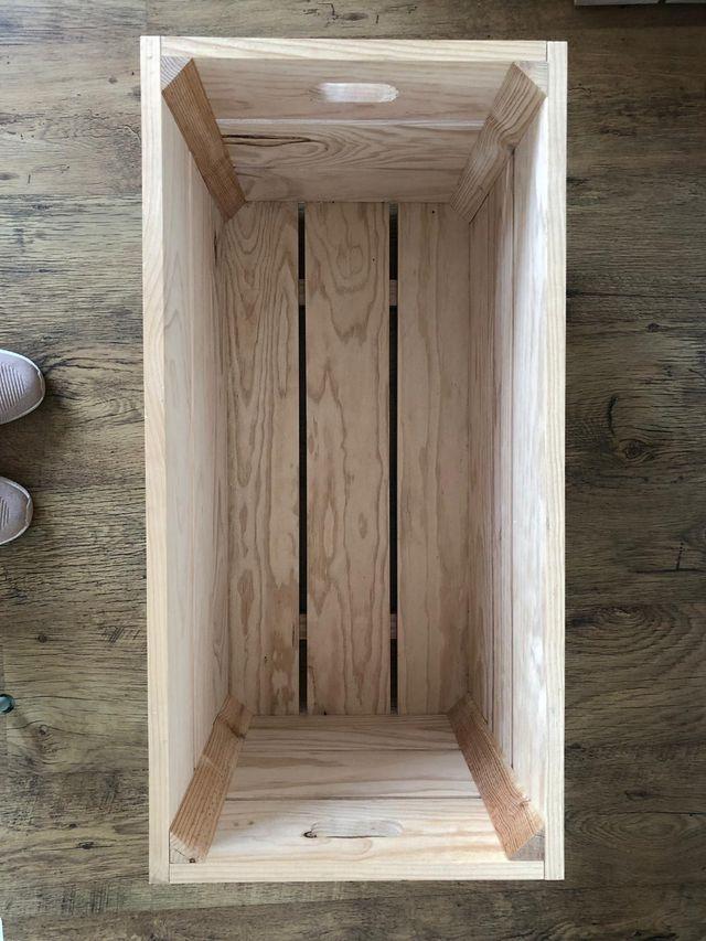 Cajón de madera natural maciza