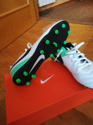 botas de fútbol campo nuevas