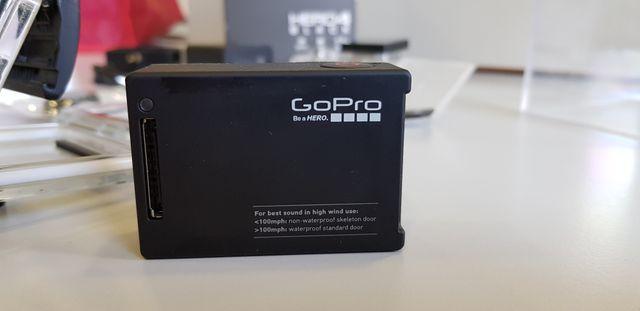 GOPRO HERO 4 BLACK + CARGADOR