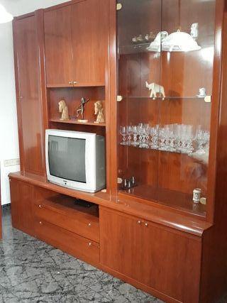 Mueble de comedor de madera