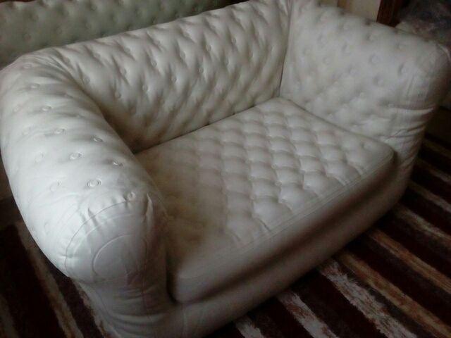 sofá chester hinchable