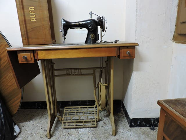 maquina de coser antigua