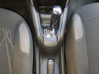 Peugeot 208 automatico