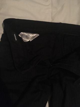 Pantalones Chinos negros diésel