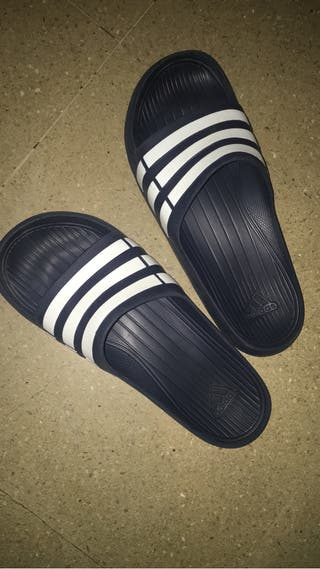 Chanclas Adidas 42-43 azules