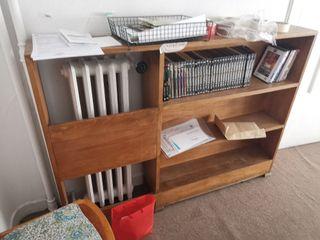 librería de roble cubre radiador