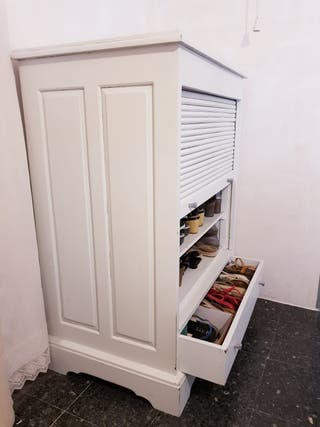 Zapatero/armario con persiana y cajon