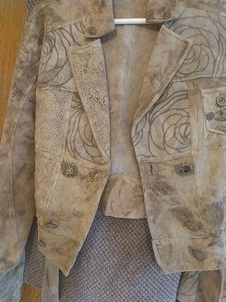 conjunto de vestido con chamarra