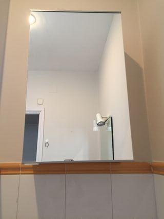 Armario de baño con espejo, de Ikea
