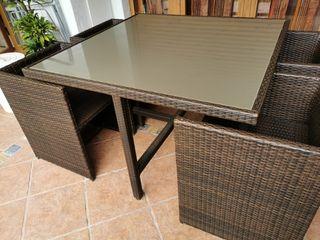 Conjunto mesa+sillas de jardín