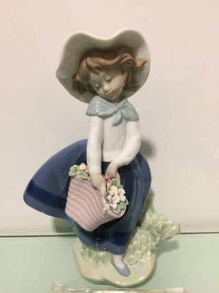 Figura de porcelana LLADRÓ.PERFECTA