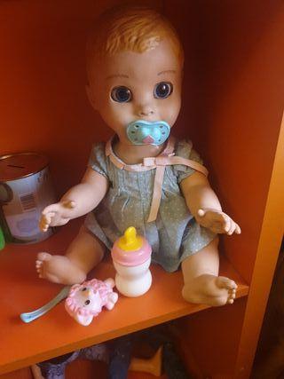 muñeca interactiva luvabella