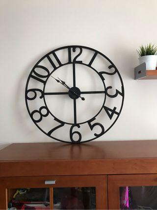 Reloj de pared grande