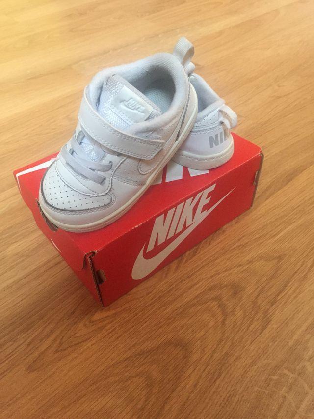 Zapatilla Nike Blanca Talla 23.5