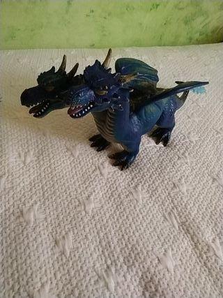 juguete dinosaurio dragón