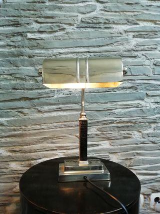 Lámpara mesilla o aparador