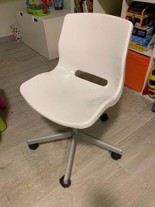 Silla estudio, oficina Ikea blanca