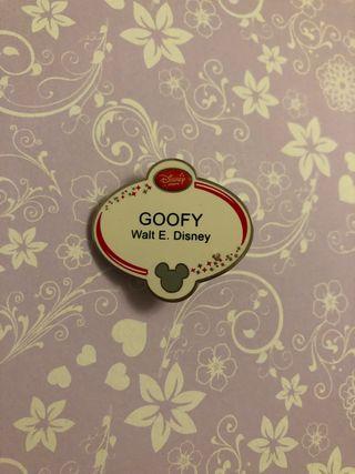 Goofy name badge Disney pin