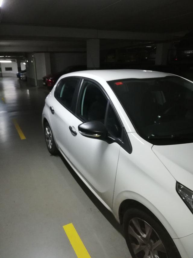 Peugeot 208 2015