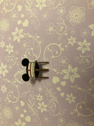 Mickey disney pin