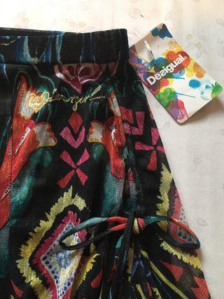 Falda Desigual nueva.