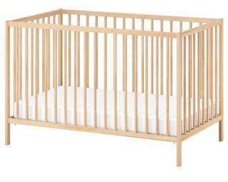 Cuna de madera de Ikea