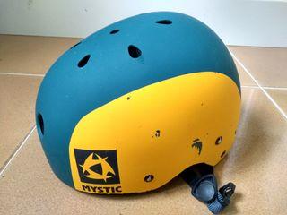 casco mystic kitesurf / windsurf / hydrofoil