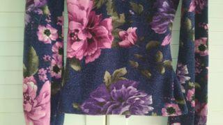 Top o jersey de flores
