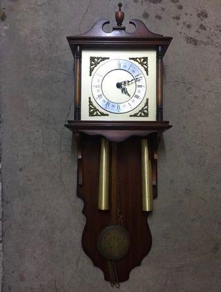 Reloj de pared antiguo vintage