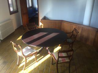 Mesa cuadrada de comedor