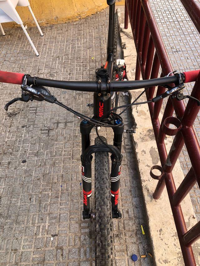 Bicicleta de montaña bmc