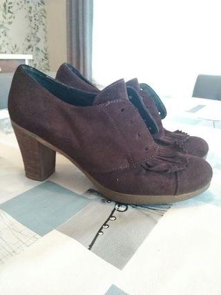 zapato tacon piel marron