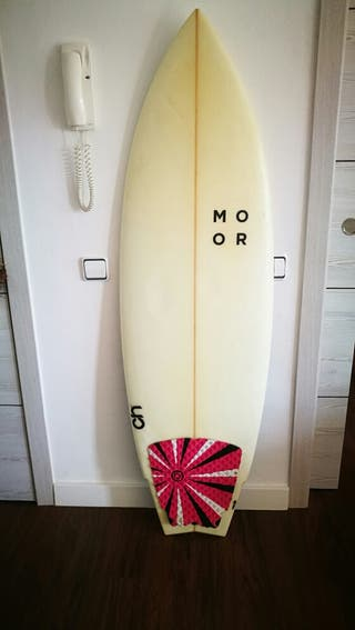 Taula de surf MOOR / Tabla de surf MOOR