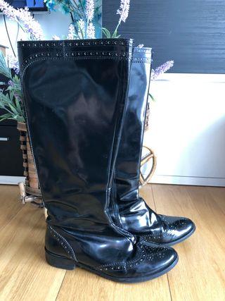 Botas altas negras impermeables