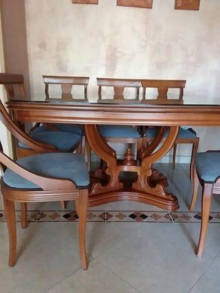 mesa extensible y seis sillas madera maciza