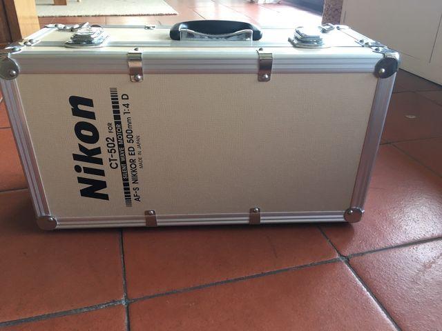 Caja Nikon