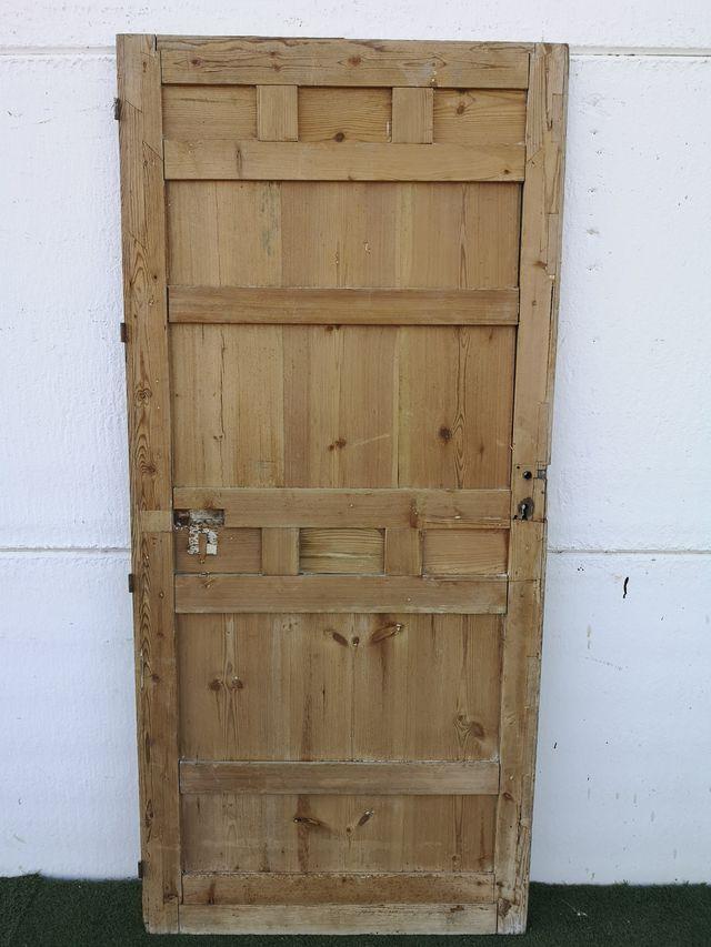 Puerta antigua de interior