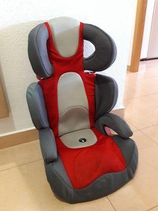 silla infantil de coche Chicco en buen estado.