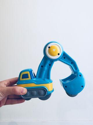 Juguete coche grúa con ruedas