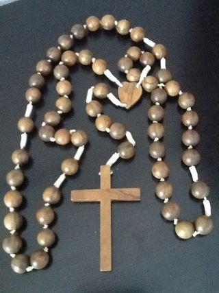 Antiguo rosario de madera