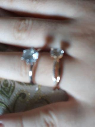dos anillos van separados