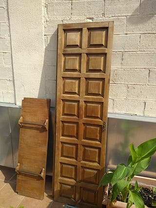 dos puertas de armario antiguo