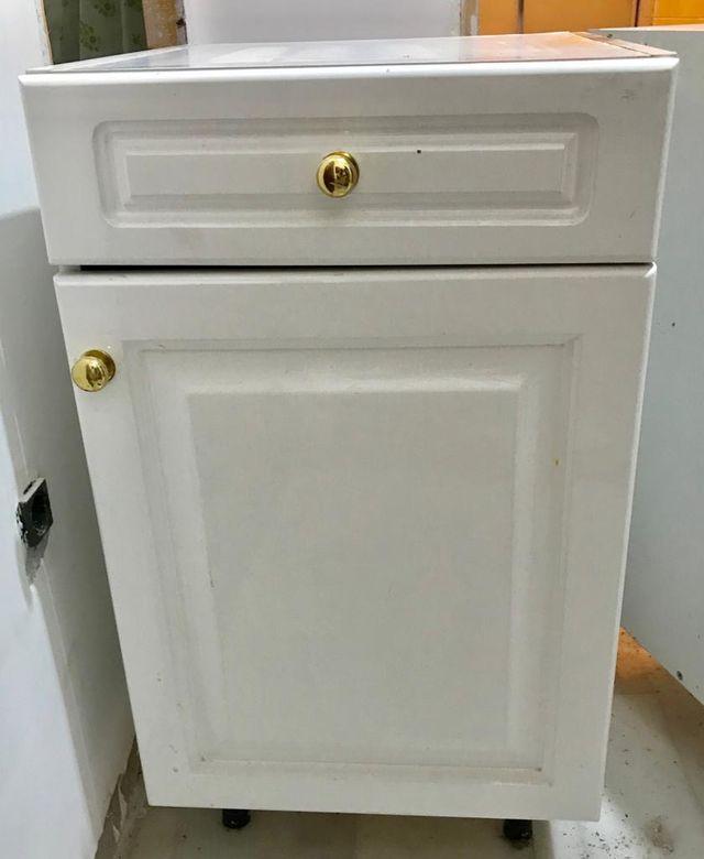 Mueble bajo de cocina con puerta y cajón de segunda mano por ...