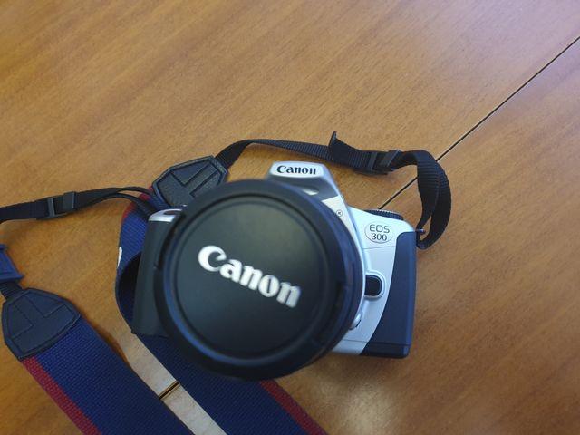 Cama fotos carrete canon eos 300 objetivo 28-80