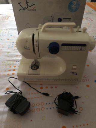 Maquina de coser para piezas