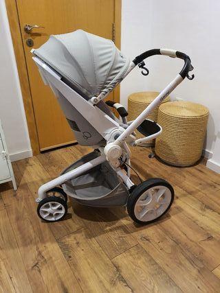 Carro de bebé Quinny Mood blanco y gris